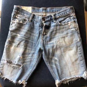Hollister Distresses Bermuda Denim jean Shorts 31